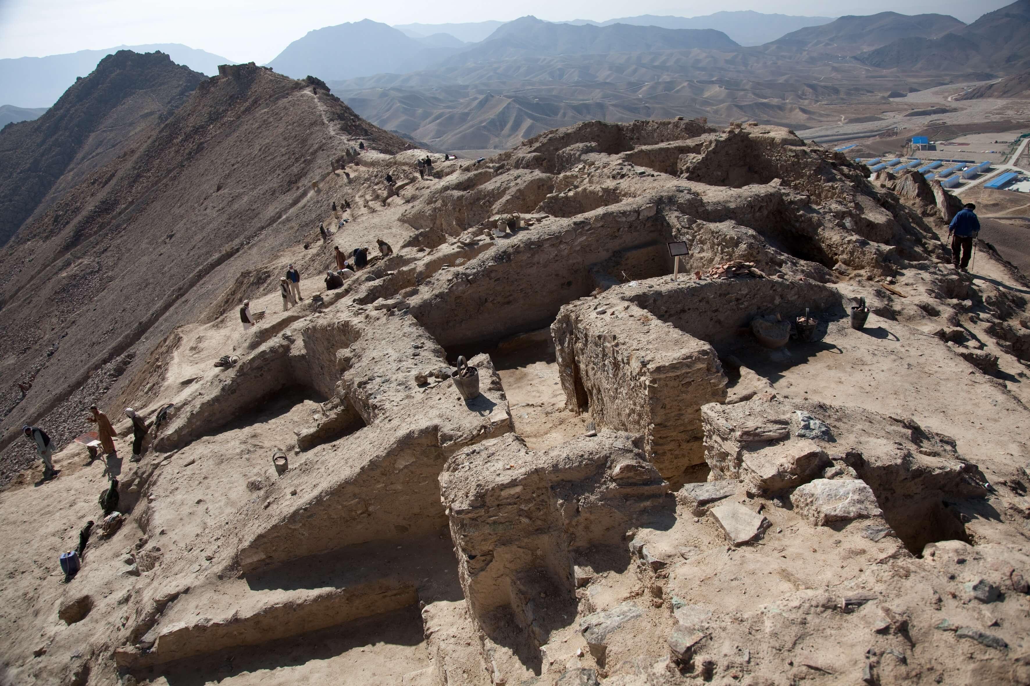 archaeology paper topics